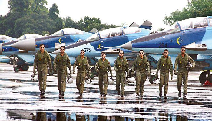 বাংলাদেশ বিমানবাহিনীতে ৩৪ পদে ৩৫০ জনের চাকরির সুযোগ