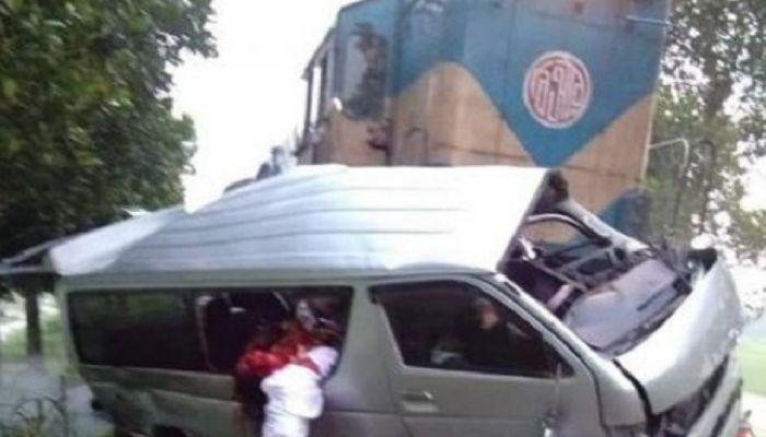সিরাজগঞ্জ ট্রেন দুর্ঘটনা: ক্ষতিপূরণ চেয়ে হাইকোর্টে রিট