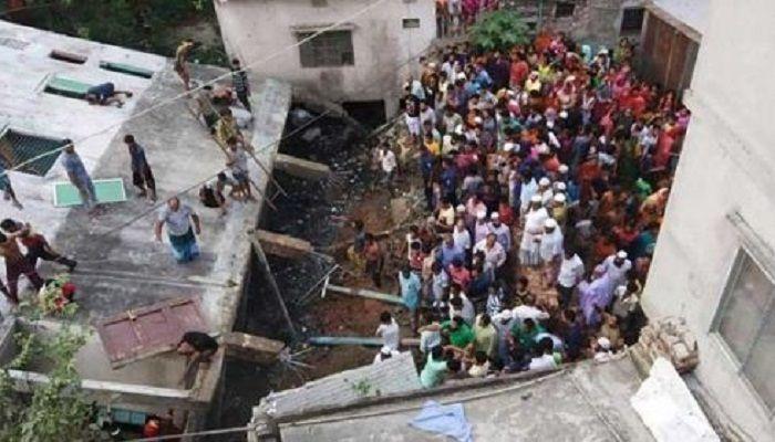 নারায়ণগঞ্জে ভবন ধস: ৩ দিন পর শিশু ওয়াজেদের লাশ উদ্ধার