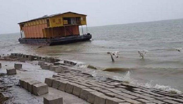 চাঁদপুর-শরীয়তপুর রুটে ফেরি চলাচল বন্ধ