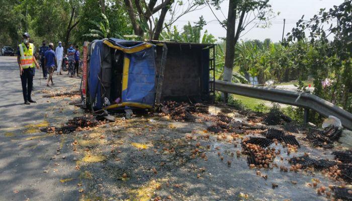 গোপালগঞ্জে পিকআপের ধাক্কায় ভ্যান চালক নিহত