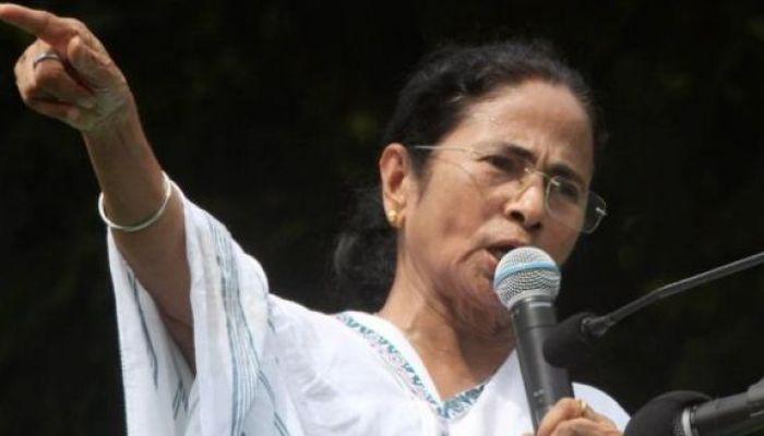 দিল্লিতে হিন্দুত্ববাদীদের হামলার ঘটনায় মমতার বিস্ফোরক মন্তব্য