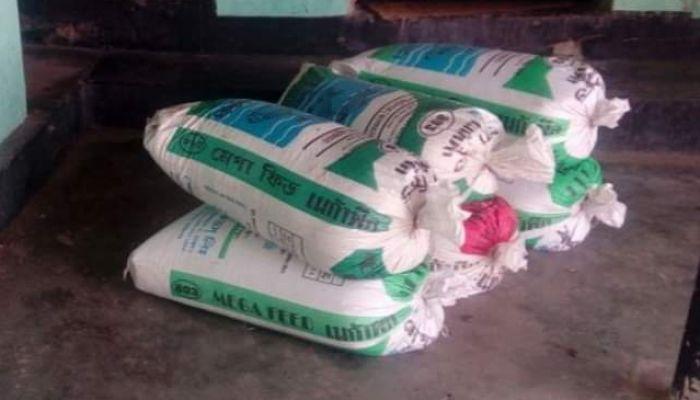 নওগাঁয় সরকারি চাল মজুদের অভিযোগে ব্যবসায়ীর বিরুদ্ধে মামলা