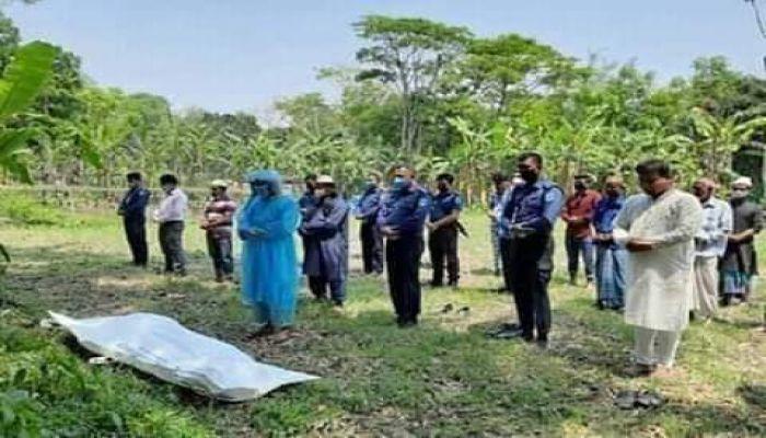 জানাজায় আসেনি স্বজনরা, কবর দিল পুলিশ