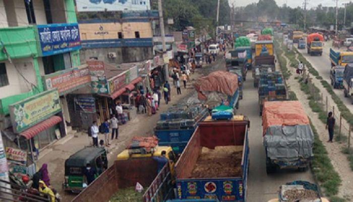 ঢাকা-টাঙ্গাইলমহাসড়কে ১৫ কিলোমিটার যানজট